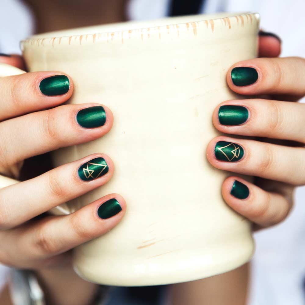 Dark Green Nails Design