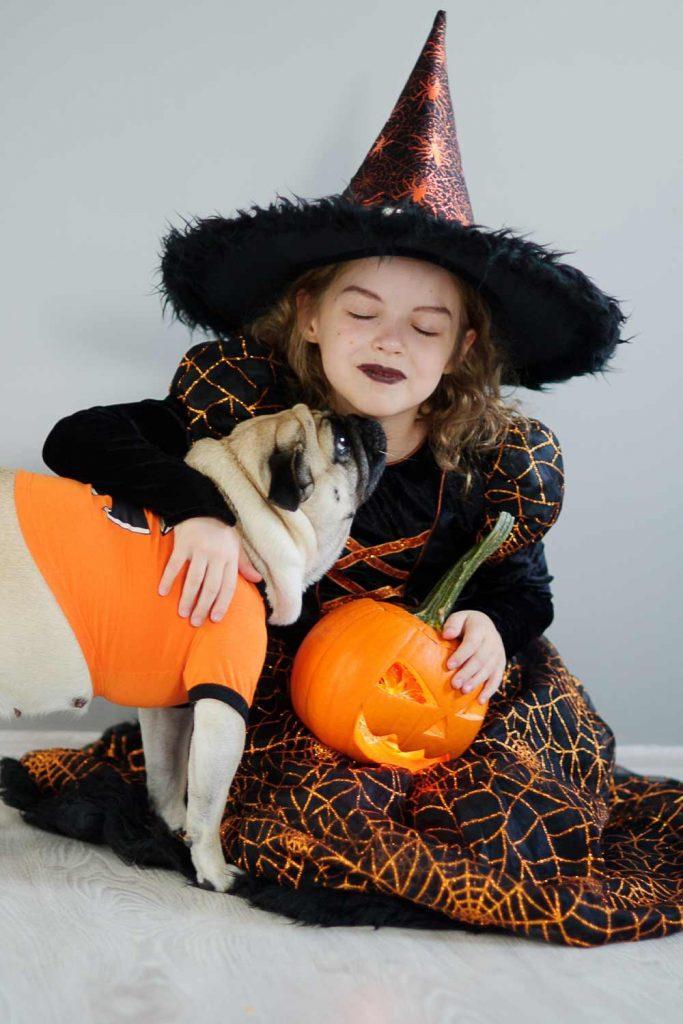 Cute Witch Pet Idea