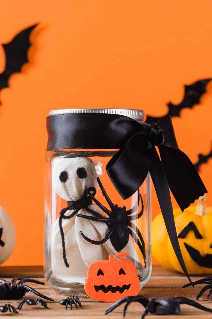 DIY Jar Halloween Decor